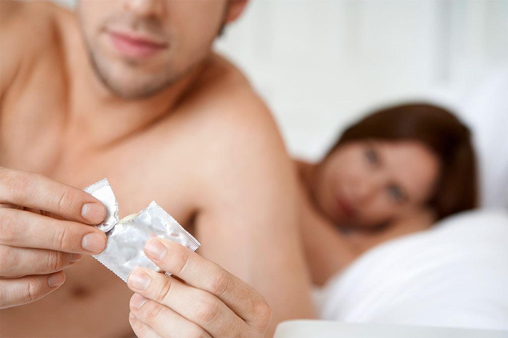 Как надеть презерватив